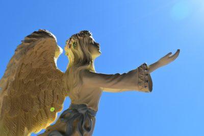 肌が恐ろしく綺麗な天使のイメージ